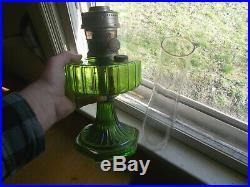 1930s ORIGINAL GREEN ALADDIN CORINTHIAN KEROSENE OIL LAMP WithITH ALADDIN CHIMNEY