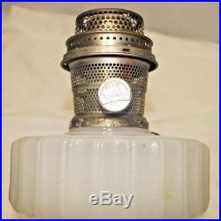 1935 36 Aladdin Alacite White Corinthian Kerosene Oil Table Lamp Needs Clean