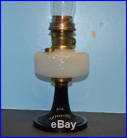 1937 ALADDIN MOONSTONE DIAMOND QUILT B-90 BLACK WHITE OIL LAMP Nu Type #B Burner