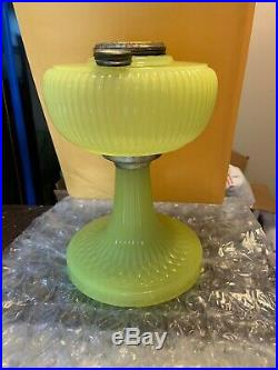 1938 Aladdin Vertique B-88 Yellow Moonstone Oil Lamp a001