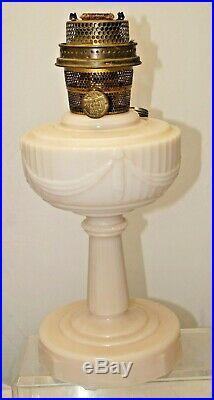 1940 49 Alcite Aladdin Lincoln Drape Kerosene / Oil Lamp With Model B Burner