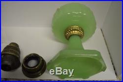 ALADDIN B-111 CORINTHIAN APPLE GREEN MOONSTONE OIL LAMP Nu-Type B Burner 1935
