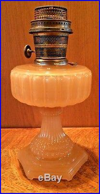 ALADDIN CATHEDRAL FLESH MOONSTONE Glass Model B Table Lamp B-112 Burner 1934