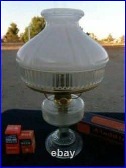 ALADDIN LAMP 1933 COLONIAL FONT & 601 SHADE MODEL B BURNER With BRASS ACCENTS