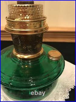 ALADDIN LAMP GENIE III in Hunter Green CRYSTAL GLASS Number 23 burner Lox-on