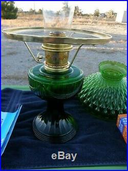ALADDIN LAMP SHORT LINCOLN DRAPE 1998 SHAMROCK GREEN with SHADE & INSECT SCREEN