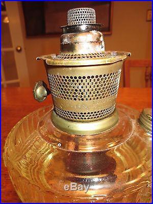 Aladdin Mod 23 Kerosene Table Lamp Vintage 1976 Glass
