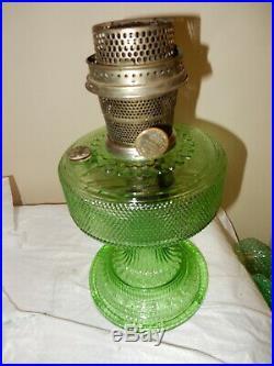 ALADDIN MODEL 105 Green Crystal Colonial KEROSENE OIL LAMP