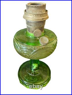 ANTIQUE Washington Drape Aladdin Green Glass Oil Lamp Nu-Type Model B Burner