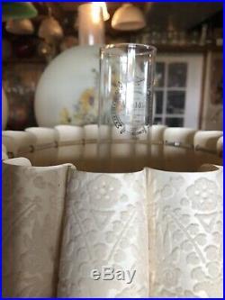 Aladdin Beige Alacite Florentine Kerosene Oil Lamp With Fluted Flocked Shade NICE