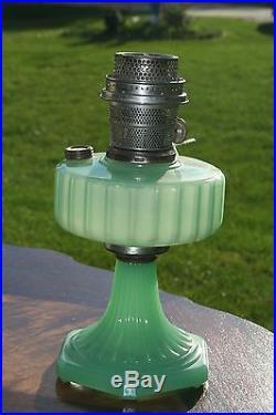 Aladdin Corinthian Kerosene Oil Lamp Jadeite Moonstone With Nu-Type Model B Burner