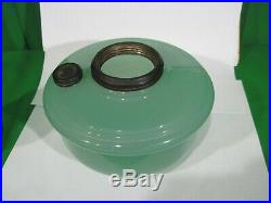 Aladdin Green Moonstone oil lamp with Chimney and burner