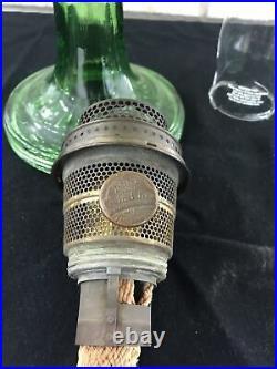 Aladdin Green Washington Drape Round Base Oil Lamp Nu-Type B Burner Hurricane