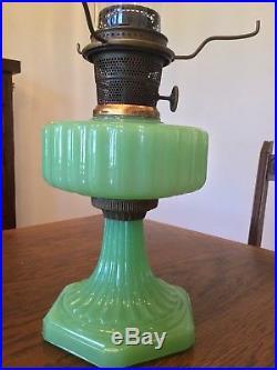 Aladdin Lamp Corinthian Green Moonstone B-115 A 1935-36 Vintage Burner Chimney