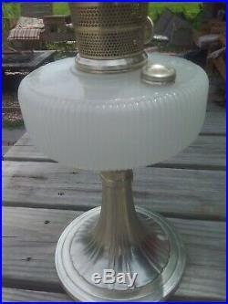 Aladdin Lamp Queen B-96 White Moonstone Silver Base Nu-Type Model B Burner
