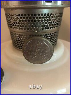 Aladdin Lincoln Drape Alacite Oil Lamp Nu-Type Model B Burner Lock Globe & Shade