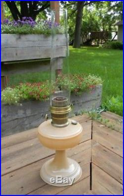 Aladdin Mantel Co Model B Peach Venetian Kerosene Lamp Chicago & Lox On Chimney