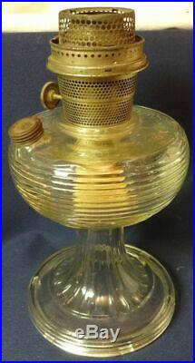 Aladdin Model B 80 Clear Crystal Beehive Kerosene Oil Company Lamp w Burner Used