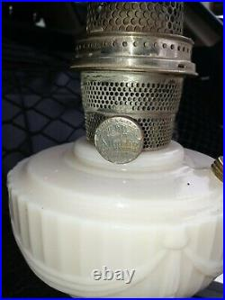 Aladdin Model B Alacite Lincoln Drape Oil Kerosene Table Lamp, Excellent Cond