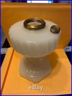 Aladdin Moonstone Corinthian Model B Kerosene Oil Lamp Base White a030