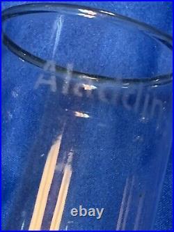Aladdin Nu-Type Model B Ivory Alacite Glass oil lamp with chimney 25 Kerosene