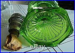 Aladdin Nu-type Model B Burner Green Corinthian Kerosene/oil Lampcomplete