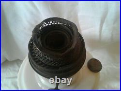 Antique ALADDIN Alacite LINCOLN DRAPE Kerosene Lamp Nu-Type B-75 Crows Feet