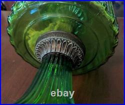 Antique Aladdin Green Corinthian Kerosene Oil Lamp Nu-Type D Burner
