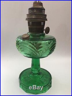 Antique Vtg Aladdin Green Uranium Glass Washington Drape Kerosene / Oil Lamp