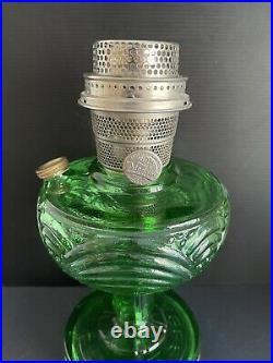 B-54E Aladdin Emerald Green Washington Drape Glass Oil Kerosene Lamp