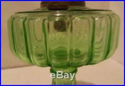 BEAUTIFUL ALADDIN GREEN DEPRESSION GLASS LAMP Mantle Lamp Co/Oil /Kerosene LOOK