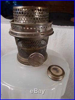 C1935 ALADDIN B-125 White & Green Corinthian Kerosene Oil Lamp wBurner & Chimney