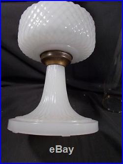 C1937 ALADDIN B-85 White Moonstone Quilt Kerosene Oil Lamp wBurner & Chimney