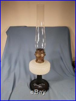 C1937 ALADDIN B-90 White & Black Foot Moonstone Quilt Kerosene Oil Lamp wChimney