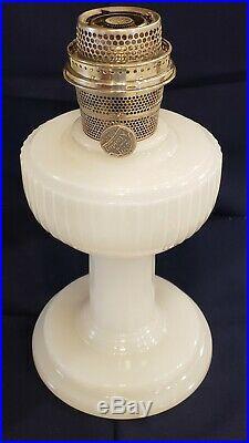 Extremely Rare Aladdin Kerosene White Moonstone Solitaire Lamp 1938