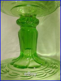 Green Washington drape B-54 Aladdin lamp filigree crows feet