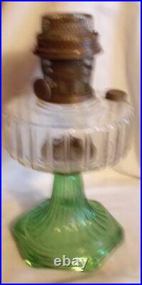 Kerosene Green stem Original Corinthian Aladdin Lamp with B burner