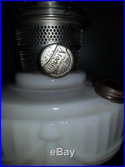 Large Vintage Lincoln Drape Aladdin Oil Lamp with Original Aladdin Globe