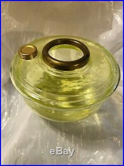 Limited Edition Aladdin Oil Lamp Vaseline Glass Shelf Or Bracket Lamp Unused