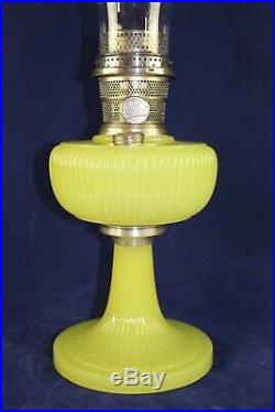 Original 1938 Aladdin Vertique B88 Yellow Moonstone Oil Table Lamp Nickel Burner