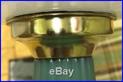 Quality Lamp! Nice Finish! Aladdin White & Green Corinthian Oil Lamp