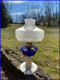 RARE Aladdin Fenton Model 23 Grand Vertique 2001 Limited Edition Oil Lamp