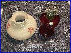 Ruby Red Short Lincoln Drape 1979 Aladdin Lamp With Champagne Red Roses Shade