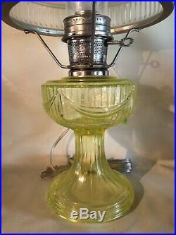 Scarce Aladdin Short Lincoln Drape Kerosene Oil Lamp Mosser Vaseline Glass NOS
