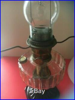 VINTAGE Aladdin Kerosene/Oil Lamp -Corinthian B-104 Clear FONT & Black Base 1936