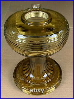 Vintage 1937-38 Aladdin B-82L Olive Amber Crystal Light Kerosene Oil Lamp