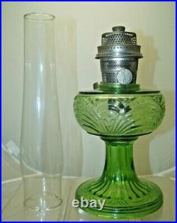 Vintage 1941 42 Aladdin Washington Drape Green Oil Kerosene Lamp With Chimney