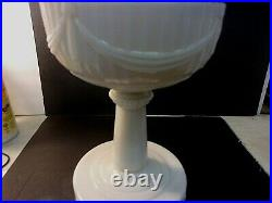 Vintage ALADDIN ALACITE TALL LINCOLN DRAPE Oil Lamp Ivory + Aladdin Chimney