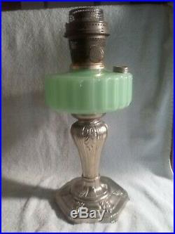 Vintage Aladdin Lamp Majestic B-122 Green Moonstone Nu-Type model B Burner