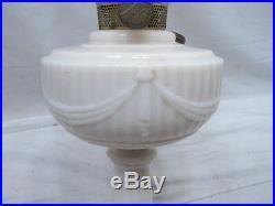 Vintage Aladdin Lincoln Drape Nu-Type B Lamp Alacite Glass New Formula Kerosene